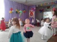 В детском саду прошли праздничные утренники, посвященные Международному женскому дню 8 Марта.