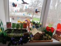 Труд в природе уважаем - на подоконнике за огородом ухаживаем!