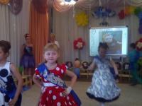 """Фотоотчет выпускного утренника """"Стиляги 2019"""" в группе № 9 """"Звёздочки"""""""